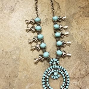 Jewelry - Faux turquoise squash blossom necklace